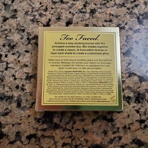 Too Faced Makeup - Too Faced Tutti Frutti Pineapple Paradise Bronzer